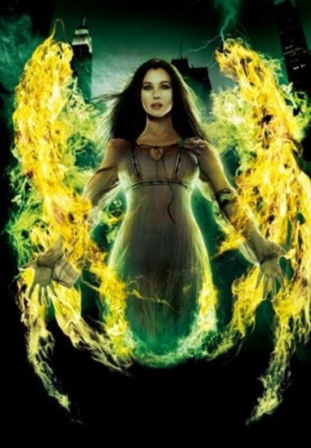 妖艶な魔法使いモルガナを演じるモニカ・ベルッチ。バルサザールとの関係も気になるところ