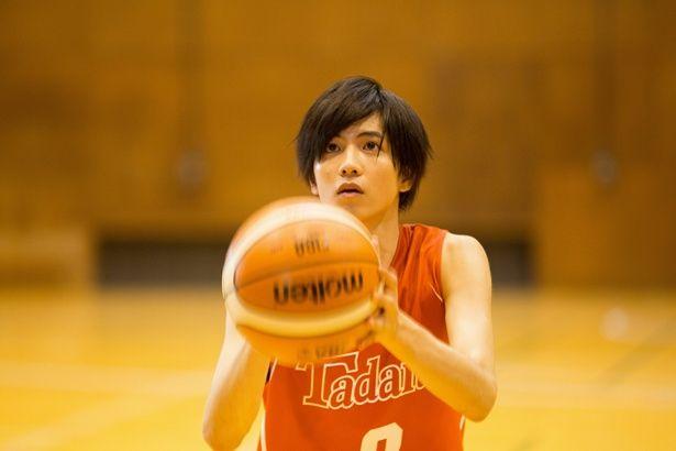 鈴愛の戦友にして親友・ボクテが新作映画では男子高校生に!(『走れ!T校バスケット部』)
