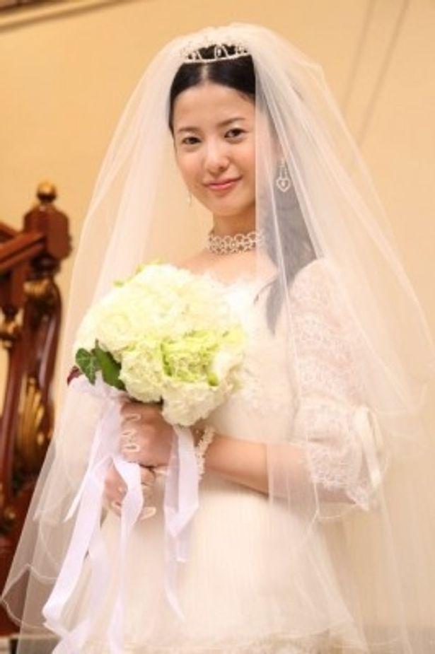 『蛇とピアス』(08)以来、8年ぶりの映画主演となる吉高由里子
