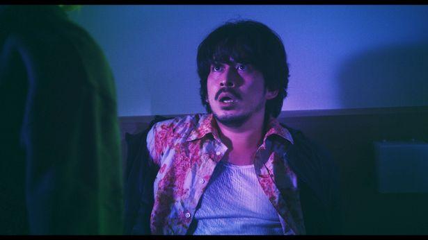 血まみれの岡田准一が見上げるものとは?