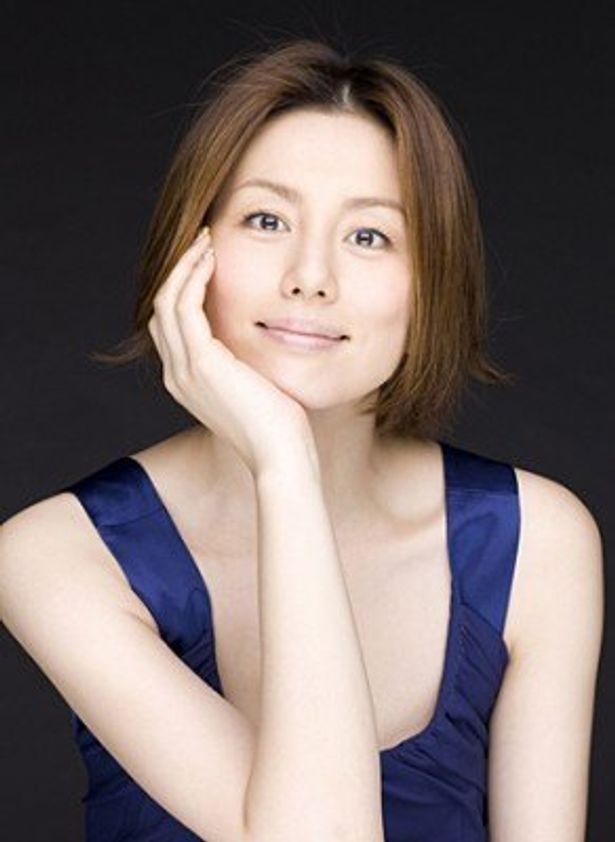 悪質な脱税者と戦うマルサ役に挑戦する米倉涼子は、さまざまなコスプレも披露