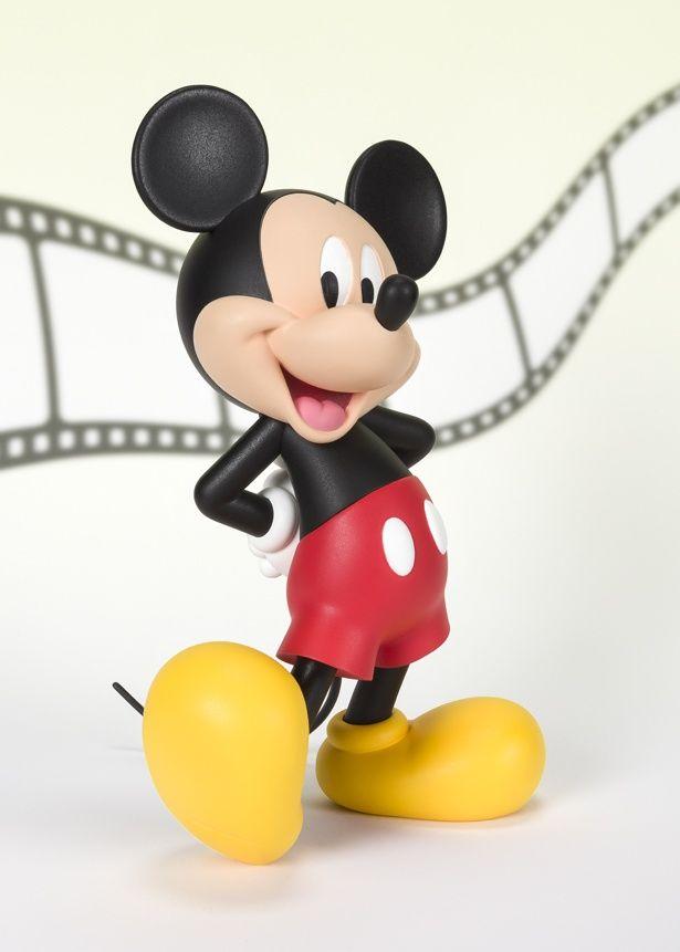 赤い半ズボンと黄色い靴のおなじみのミッキー(ミッキーマウス MODERN)