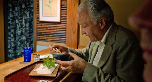 京都の名店「天ぷら 松」にも足を運ぶ(『アラン・デュカス 宮廷のレストラン』 )