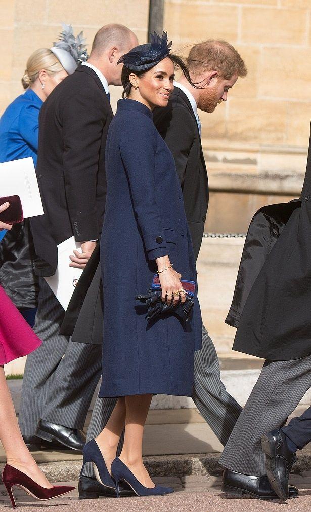ユージェニー王女の結婚式では、ゆったりとした服装だった