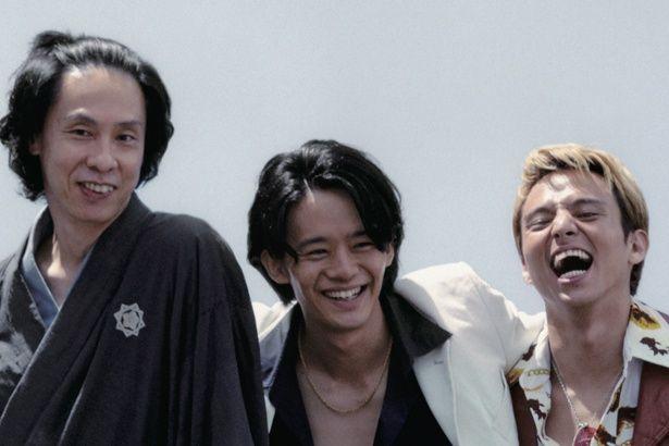 坂本龍馬、尾崎豊、ブラッド・ピットになりきり生きる男たちを描いた『君が君で君だ』(18)