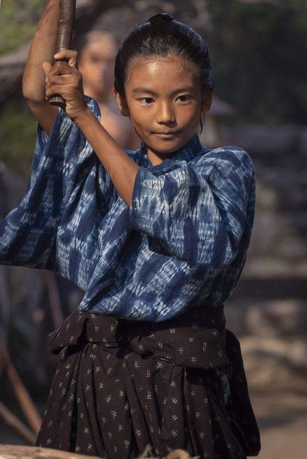 剣術の指南を受ける菊次郎(第39回「父、西郷隆盛」)