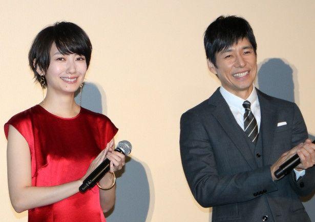 『オズランド 笑顔の魔法おしえます。』で共演した波瑠と西島秀俊