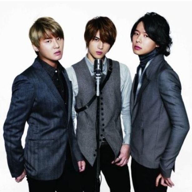 左からJUNSU(ジュンス)、JEJUNG(ジェジュン)、YUCHUN(ユチョン)