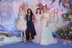 キーラ・ナイトレイがシャネルのドレスで登場!ディズニー版『くるみ割り人形』ロンドンでお披露目