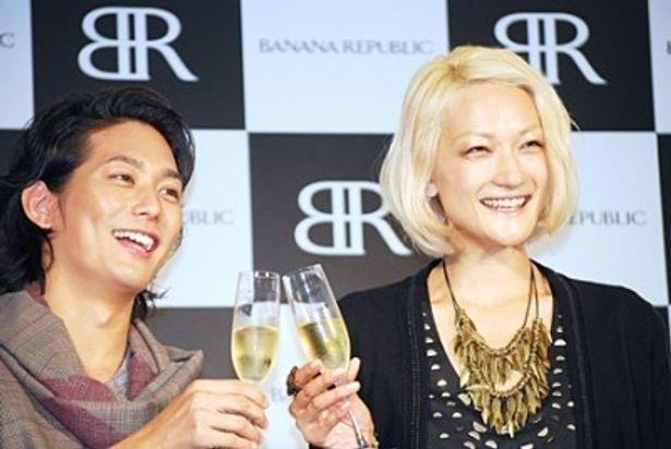 9月1日の平岡の誕生日も兼ねて冨永からケーキとシャンパンが贈られた