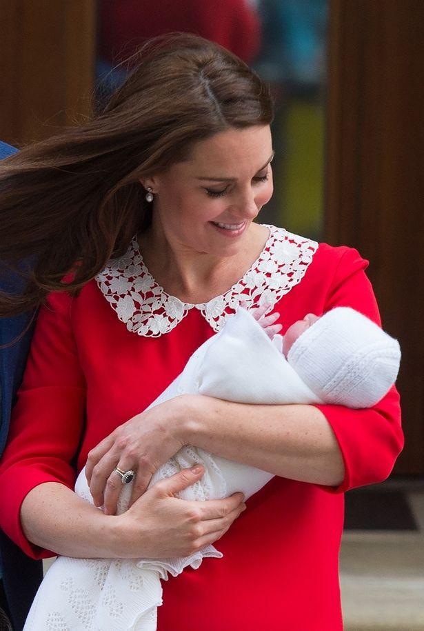 4月23日に誕生したルイ王子がテレビデビュー