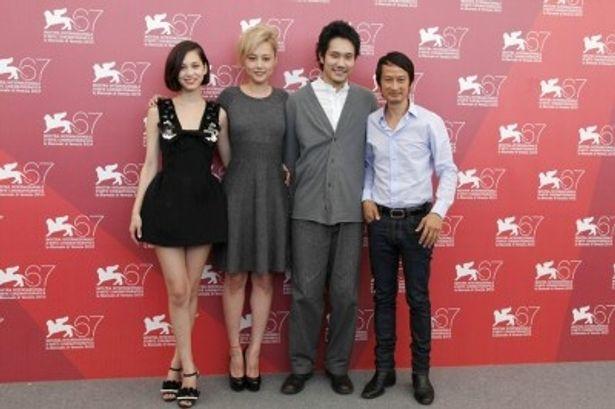 左から、水原希子、菊地凛子、松山ケンイチ、トラン・アン・ユン監督