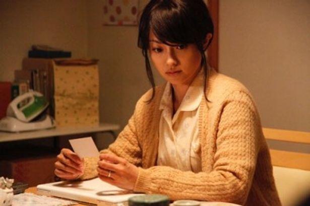 疲れきった主婦役を演じ、新境地を開拓した深田恭子