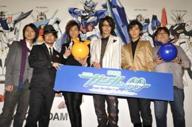 初日舞台あいさつに登場した神谷浩史、吉野裕行、三木眞一郎、宮野真守、勝地涼、水島精二監督(写真左から)