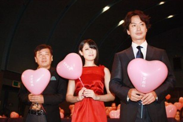 映画「恋愛戯曲~私と恋におちてください。~」の試写会に出席した鴻上尚史