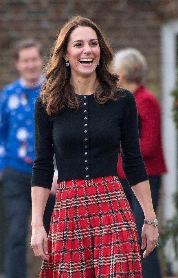 毎年恒例の英王室クリスマスカードがお披露目された