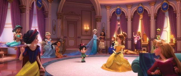シンデレラやアリエル、白雪姫やエルサなどプリンセスが大集合!