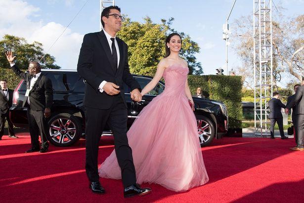 エミー・ロッサムはモニーク・ルイリエのお姫様ドレスで登場