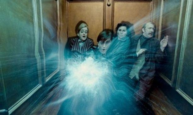 遂に解禁された『ハリー・ポッターと死の秘宝 PART1』の予告編は全国の主要劇場で上映中