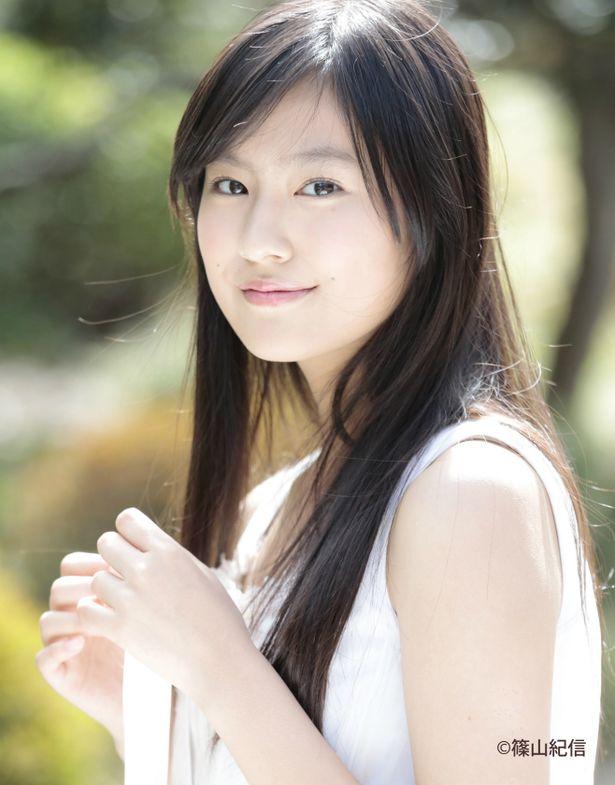 恒松祐里が主人公のパートナーの娘・美波役に決定!