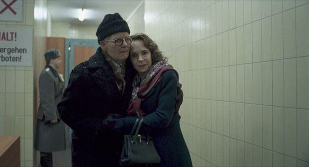 ジェシカが演じるのはルッツ・エバースドルフ演じるクレンペラー博士の妻アンケ