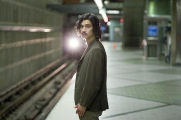 【写真】神の子であるケンゴ役はジェイソン・リュウ