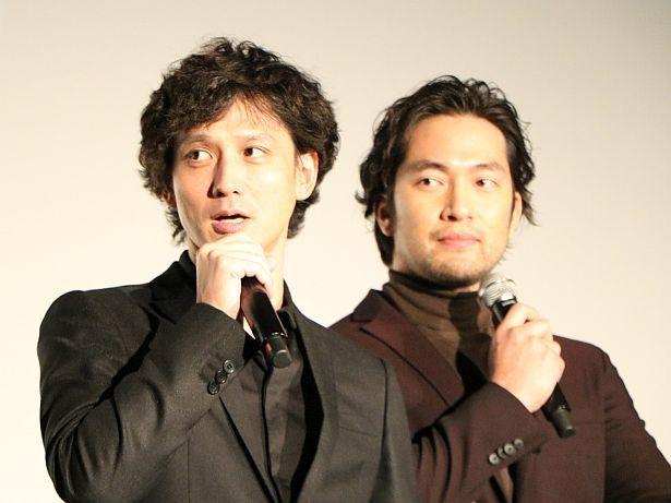 長編映画初主演を務めた阿部進之介(右)とテレビ番組の出演でも話題を集めている安藤政信(左)
