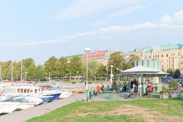 地元の人も多く訪れる市立公園