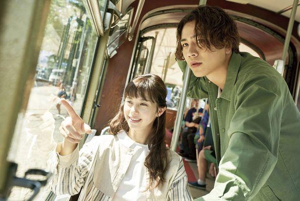悠輔と美雪がトラムに乗ってデート!
