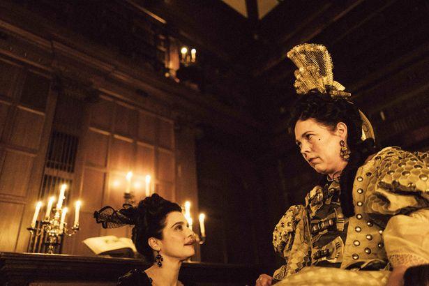 18世紀イングランドの宮廷を舞台にした女たちの熾烈なバトルを描く