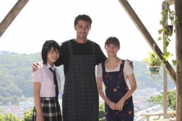 『天国からのエール』に出演する、左から、桜庭ななみ、阿部寛、ミムラ