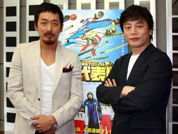 『国家代表!?』の主演俳優ハ・ジョンウ(左)、キム・ヨンファ監督を直撃!