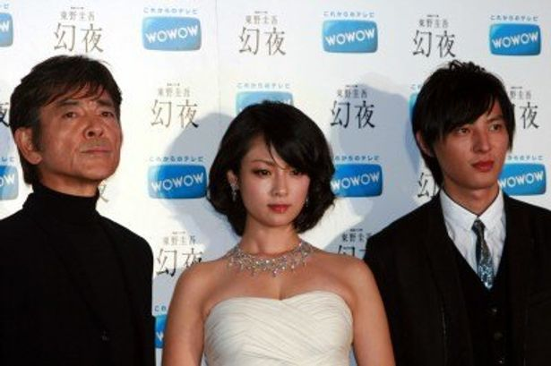 制作発表に出席した柴田恭兵、深田恭子、塚本高史(写真左から)