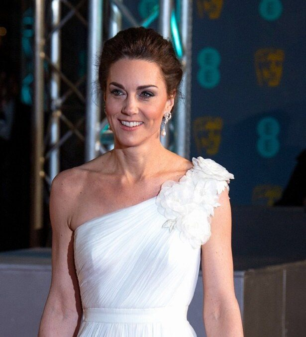 こちらの英国アカデミー賞授賞式のドレスも好評だったが…