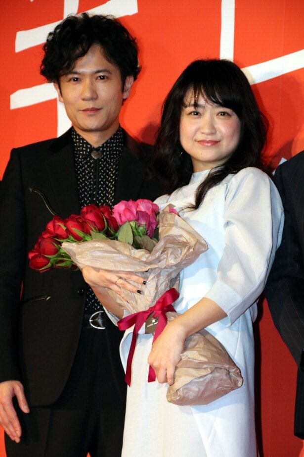 『半世界』で夫婦役を演じた稲垣吾郎と池脇千鶴