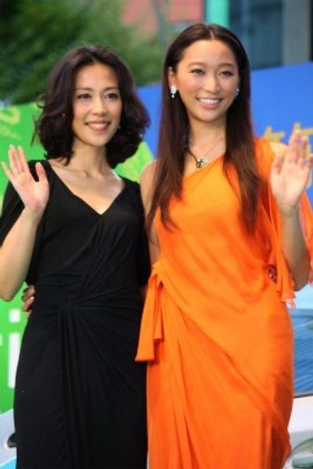 映画祭大使・木村佳乃は黒のドレス、グリーンアンバサダー・杏はオレンジ色のドレス