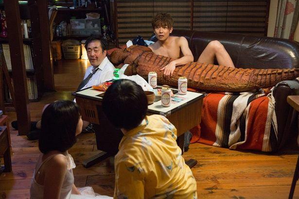 【写真を見る】メンバーきっての演技派・田中俊介が主演作で裸に!?(『ツチノコの夜』)