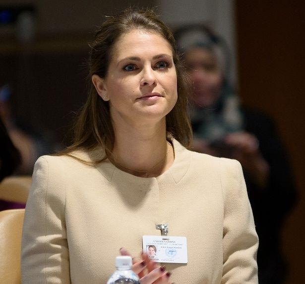 スウェーデンのマデレーン王女が長女の写真を投稿