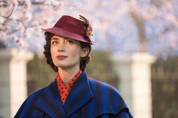 『メリー・ポピンズ』での色華やかな衣装もキュートで魔法のような作品の空気とマッチング!