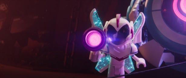 背中の翼が特徴的な新キャラクターメイヘム将軍