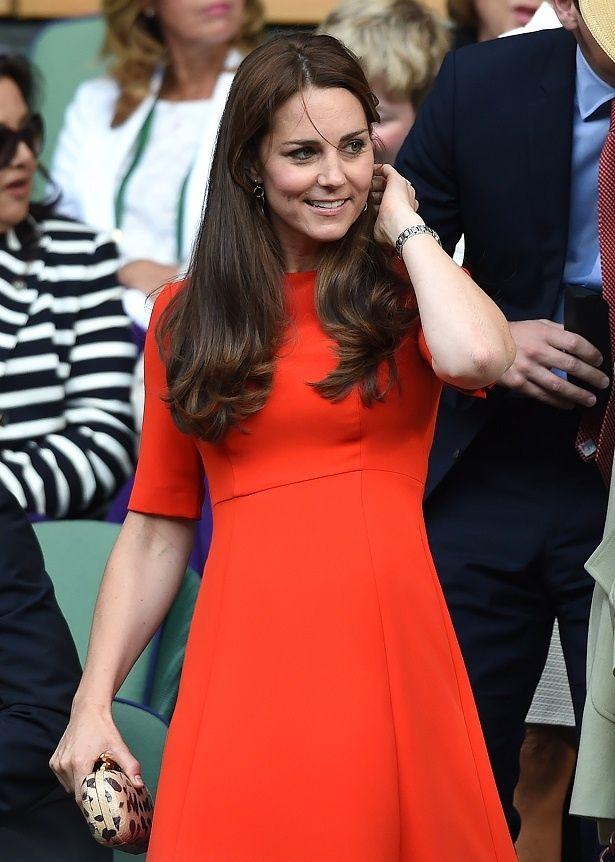 【写真を見る】キャサリン妃御用達!L.K.ベネットのドレスをプレイバック