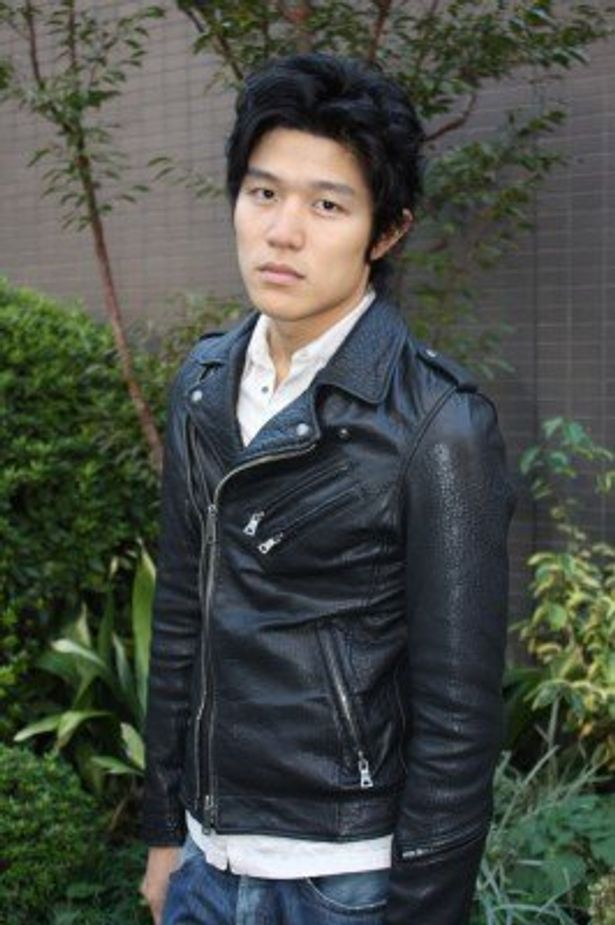 映画「ふたたび SWING ME AGAIN」で、映画初主演を務める鈴木亮平