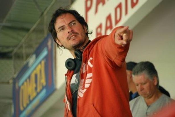 メガホンを取るのは『ルドandクルシ』(08)のカルロス・キュアロン監督