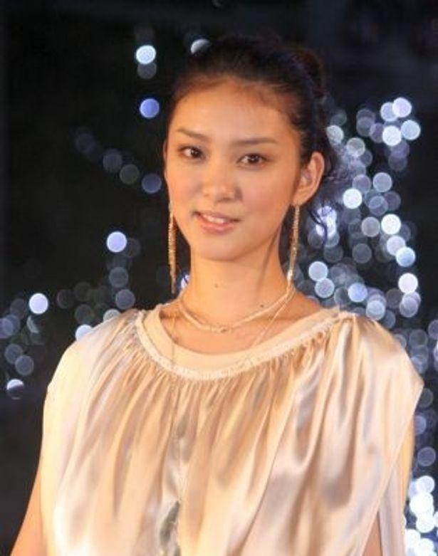 """現在16歳の""""TSUBAKI美少女""""武井咲さん"""