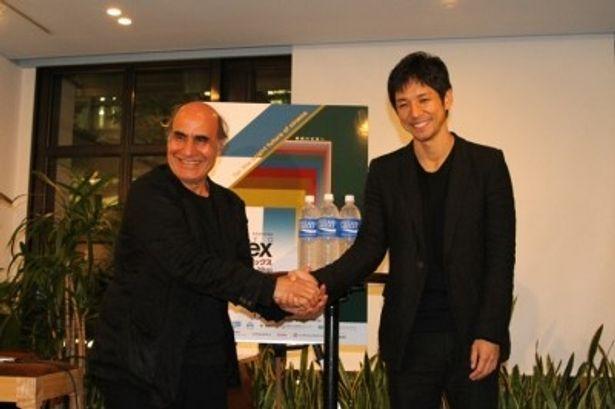 トークイベントに登場した、左から、アミール・ナデリ監督、西島秀俊
