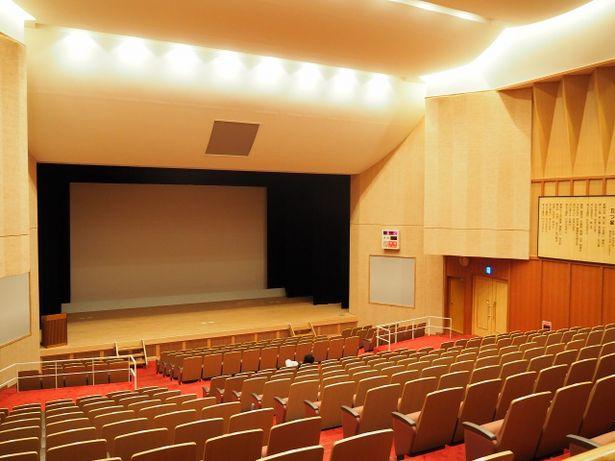 映画上映が行われている鯨賓館ホール