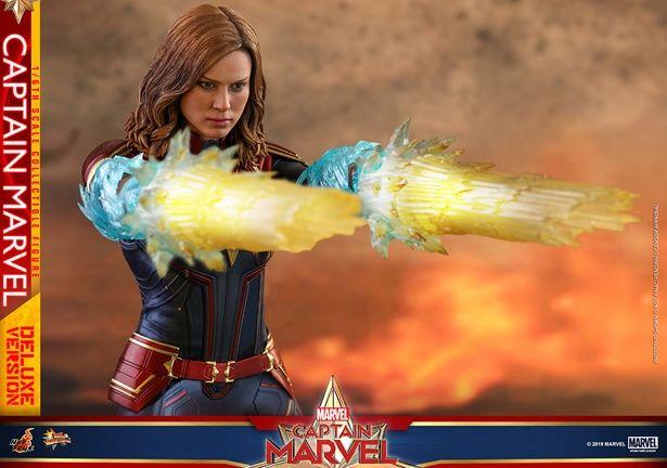 【写真を見る】あの女性ヒーローのフィギュアをチェック!(【ムービー・マスターピース】『キャプテン・マーベル』1/6スケールフィギュア キャプテン・マーベル)