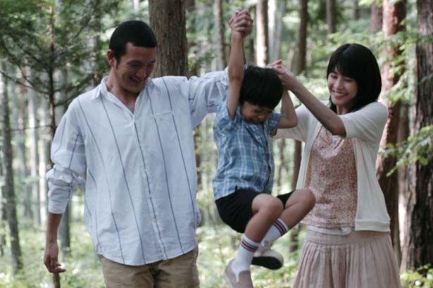 市川拓司による恋愛小説を映画化した(『いま、会いにゆきます』)