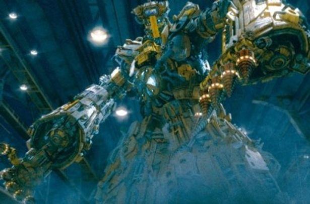 中華テイスト満載のロボットアクション映画が満を持して日本上陸!
