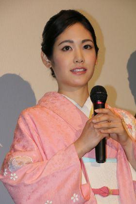 阿部純子、桜色の和装で会場をくぎ付けに!「ロシアでの撮影はすごく新鮮でした」